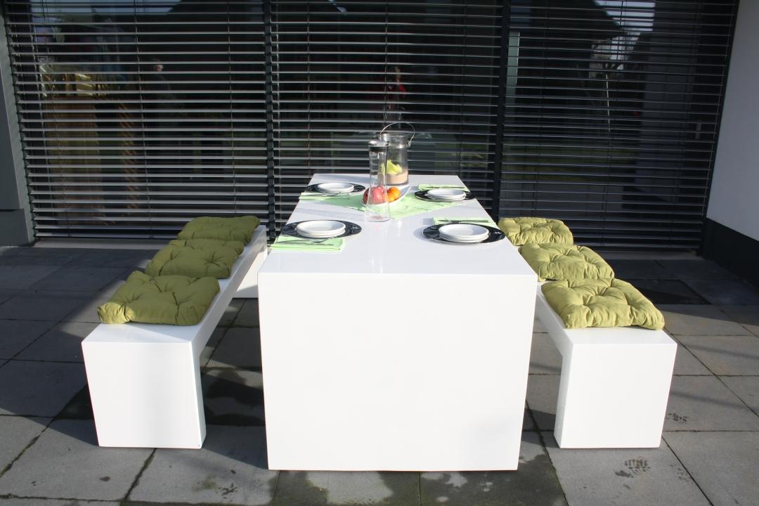 Moderne und robuste Gartenmöbel aus Faserbeton | Pressemitteilung ...